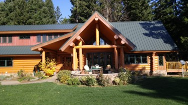 log house and bed breakfast